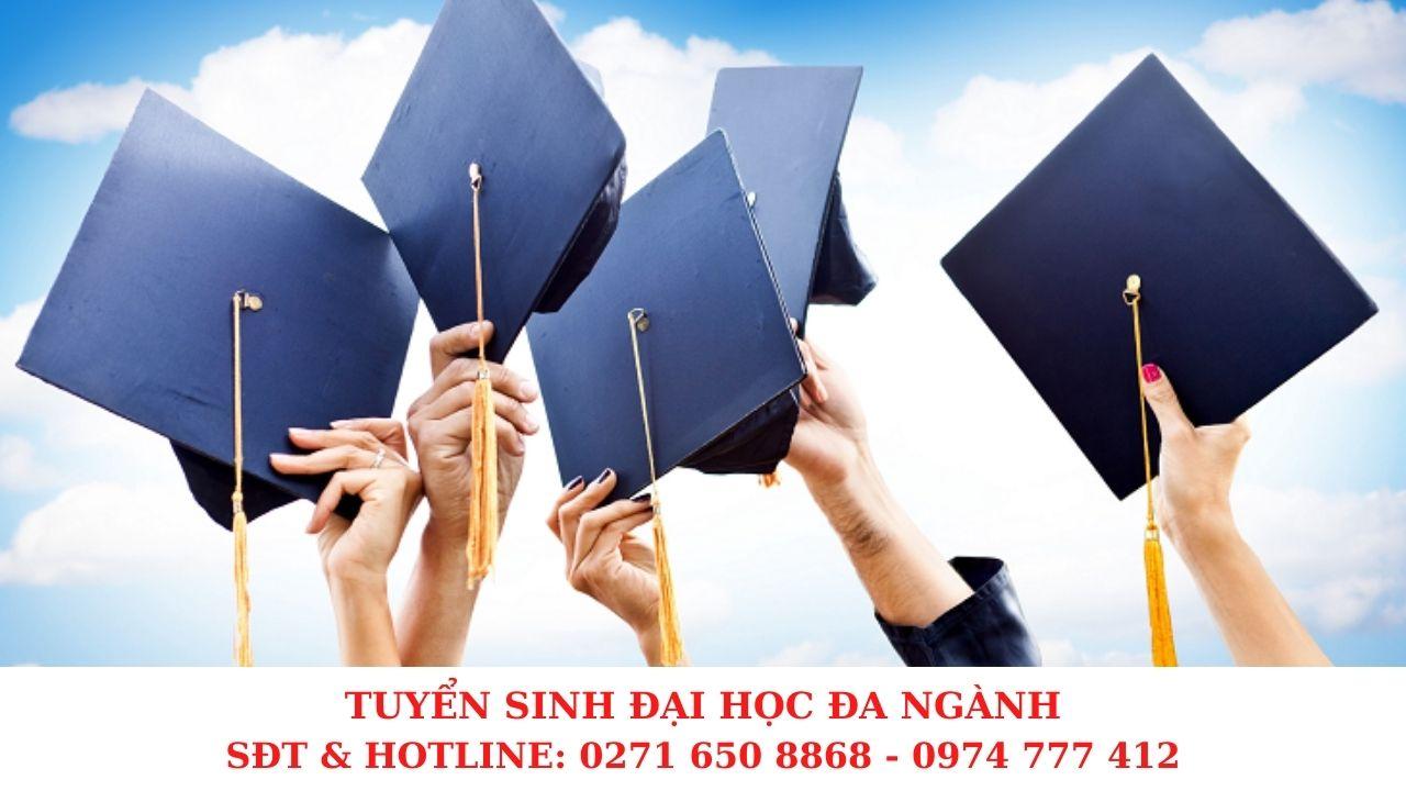 Tuyển sinh đại học năm 2021